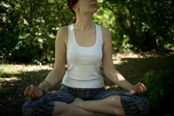 ヨガの基本姿勢と呼吸法