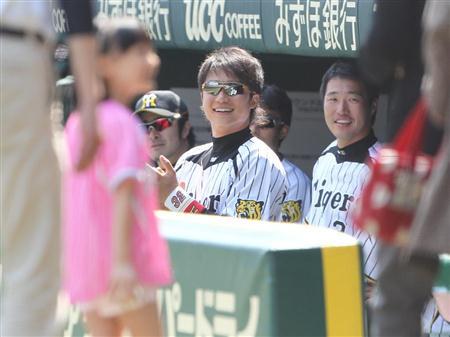 http://livedoor.blogimg.jp/affiri009-001/imgs/8/4/84ff7dd8.jpg