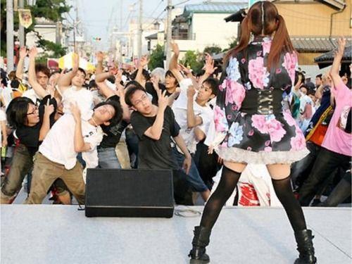 http://livedoor.blogimg.jp/affiri009-001/imgs/8/e/8ea96add.jpg