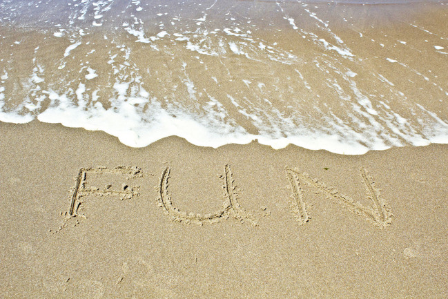 text-on-beach-2_M1uF0UKu