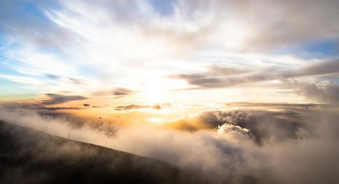 clouds-1209444_1280