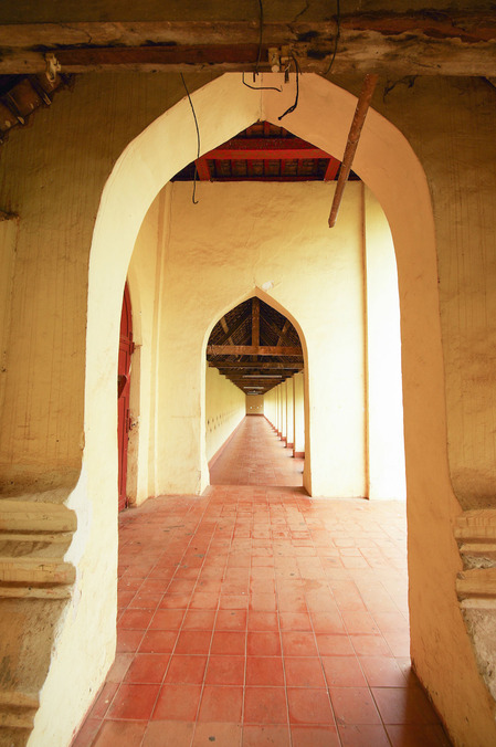 arch-door-the-temple-architecture_HDSgFc1dhfe