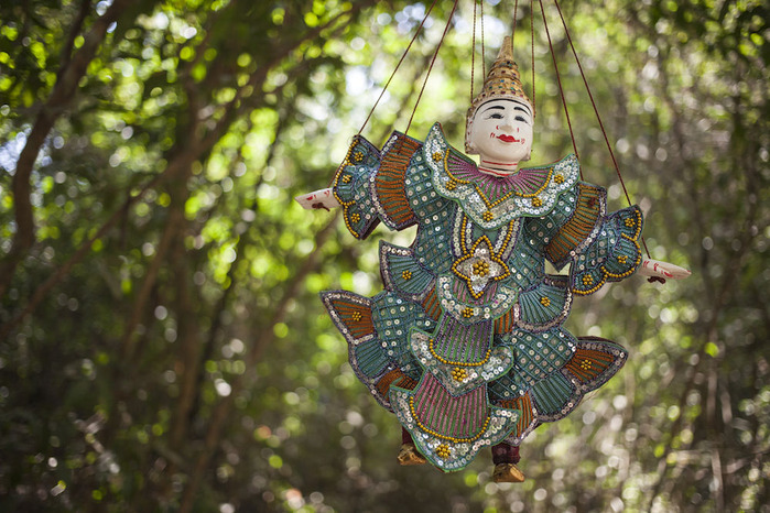 puppets-cambodia_rDYxD3yu3Ge