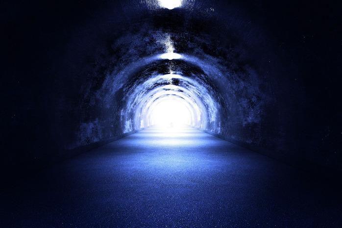 tunnel-light_zyGefFS_