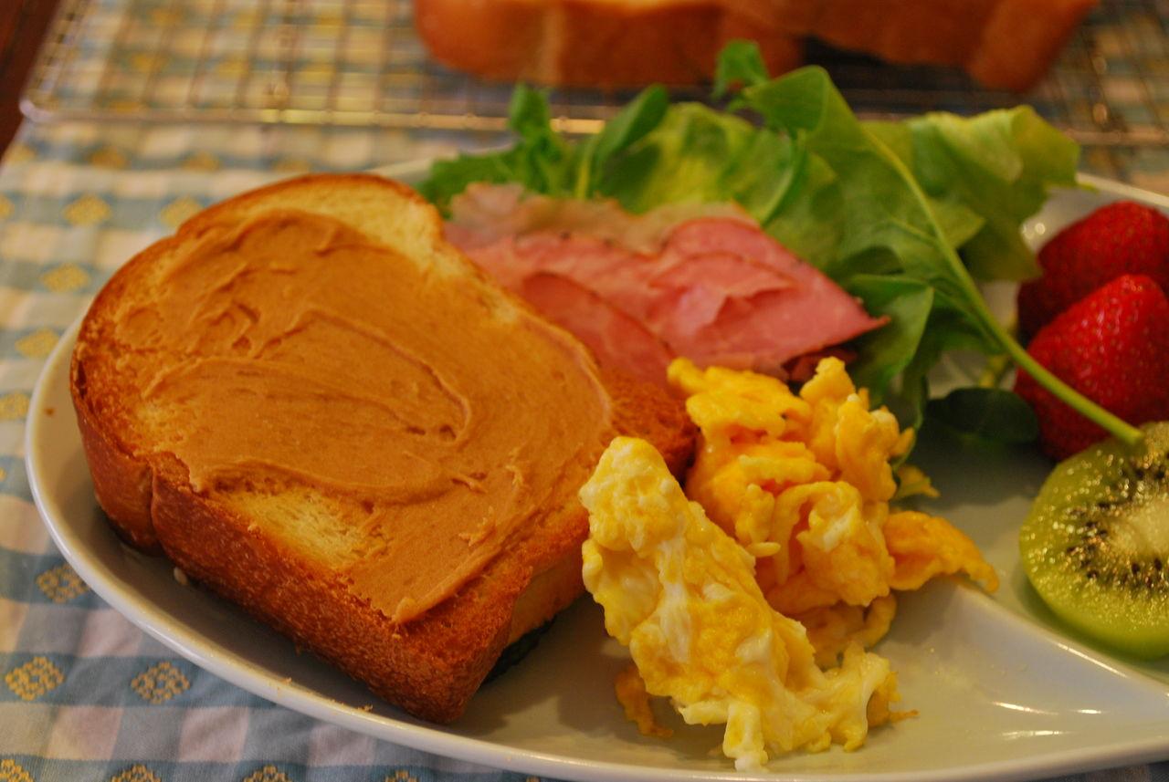 DSC_0005ピーナツトーストの朝食