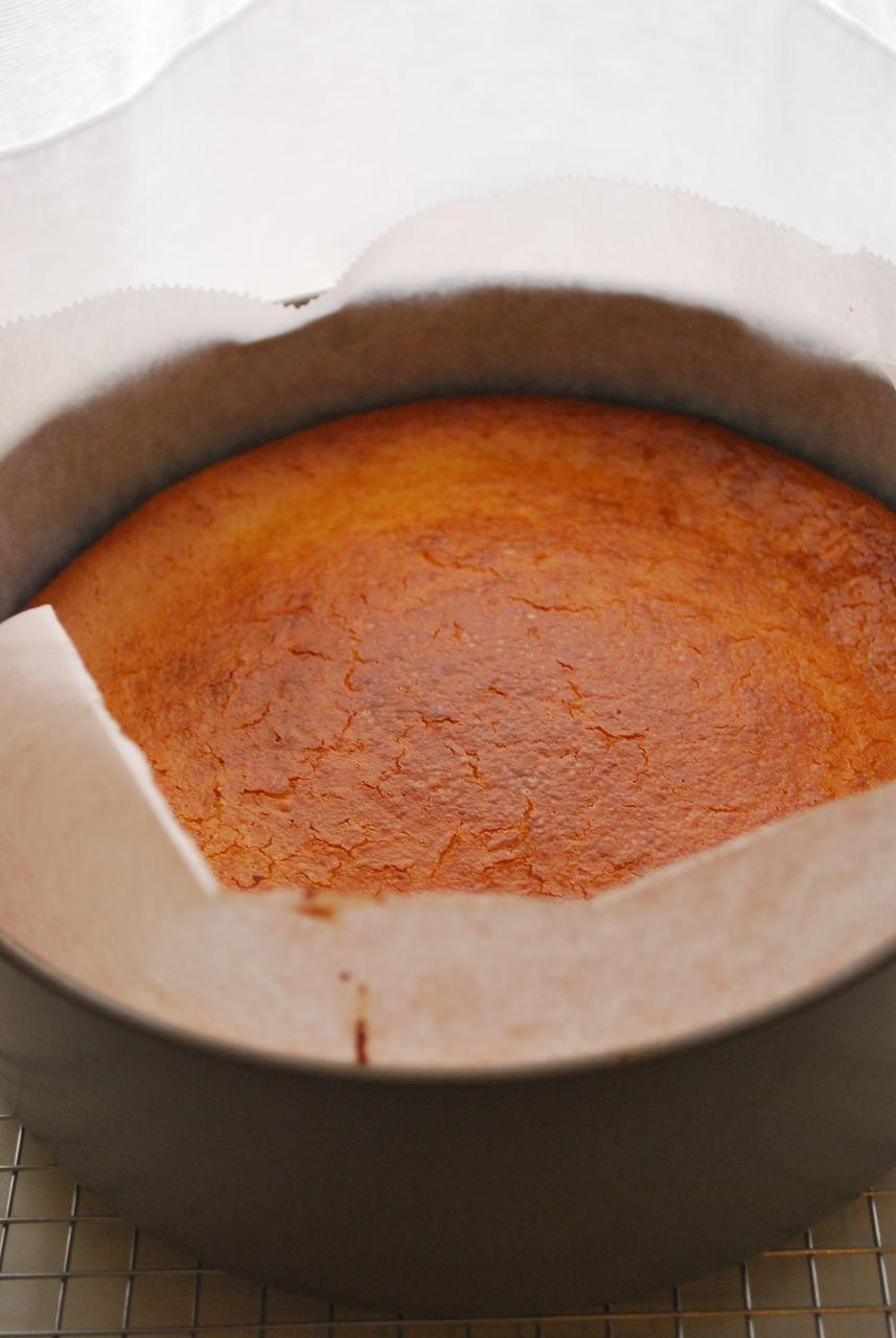 DSC_0002チーズケーキ焼きたて。