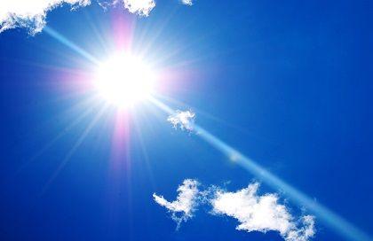 秋も日焼け止めで紫外線対策しましょう