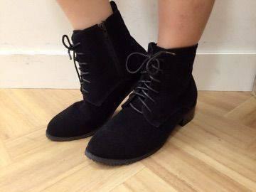 新作ブーツ
