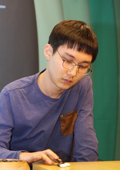 【nitro15】【韓国GSCaltex杯】第22期GSカルテックス杯プロ棋戦16強戦 アン・チョヨン、最強パク・ジョンファン破って8強合流                           nitro15