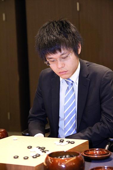 2015年、第20回LG杯朝鮮日報棋王戦で本戦16強まで上がった台湾出身の日本棋士余正麒7段が2015年最多勝を記録した。