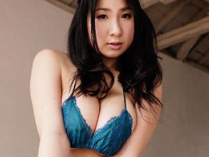 com_o_p_p_oppainorakuen_20120927_p001