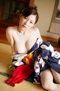 com_o_p_p_oppainorakuen_20120726_001