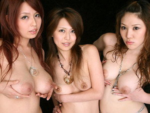 com_o_p_p_oppainorakuen_20121126_00