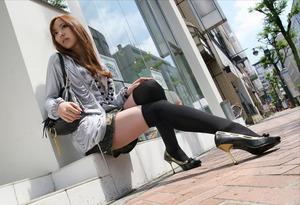 com_erogazou411_knee_socks_556_83