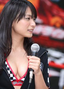 com_exts_gravure_kawamurayukie_001