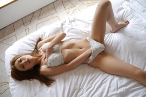 com_d_o_u_dousoku_aizawaarisa_141102a048a