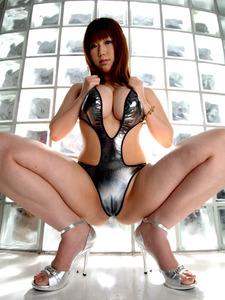 com_erogazou411_m_legs_818_030