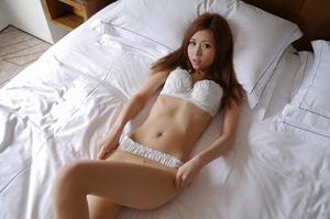 com_d_o_u_dousoku_aizawaarisa_141102a036a