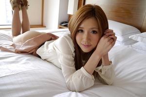 com_d_o_u_dousoku_aizawaarisa_141102a024a