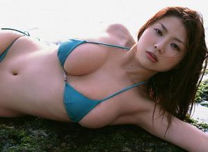 com_o_p_p_oppainorakuen_20110816_00