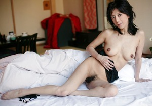 jp_midori_satsuki-team_imgs_4_7_4739f8ab