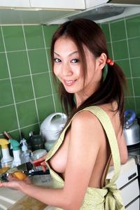 com_o_p_p_oppainorakuen_20111020_005