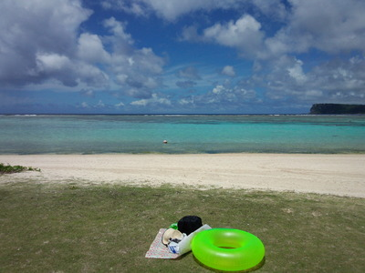 イパオビーチと浮き輪