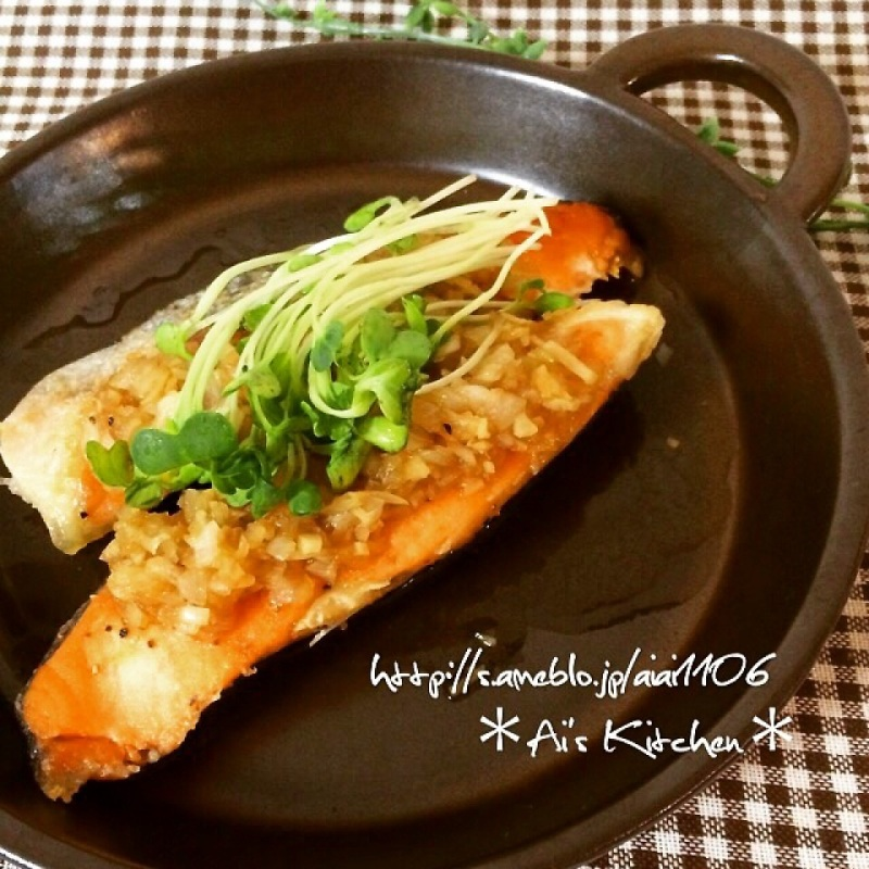 美味しすぎる♡冷凍鮭で作る簡単スパイシームニエル♡
