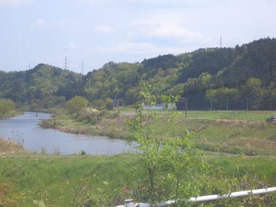 津保川にかかる百年橋からの景色