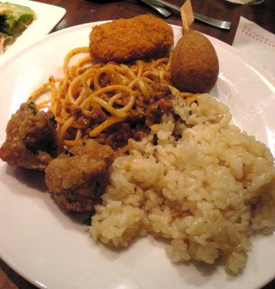 揚げ物やスパゲッティ、ご飯など