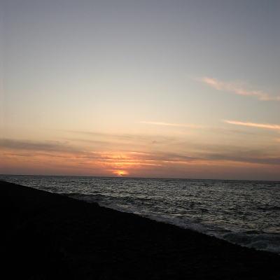 三国サンセットビーチの夕日