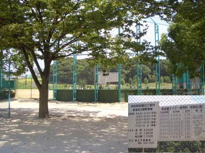 新海池公園内にある野球場