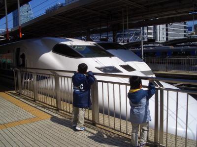 名古屋駅で見る新幹線