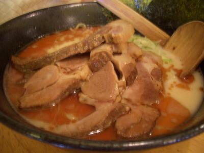 チャーシュー麺の白湯らーめん