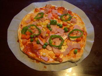 手作りピザの焼く前