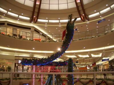ドラゴン舞うクリスマスイルミネーション