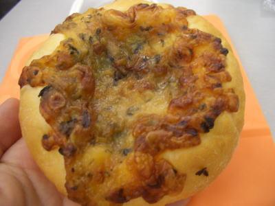 ベーコンハーブパン