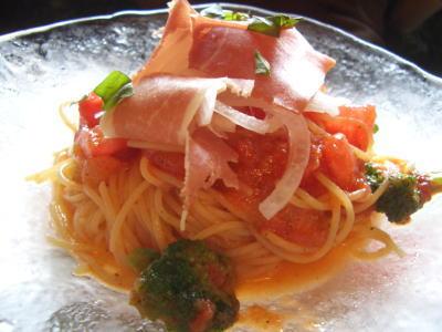 トマトとグレープフルーツの冷製スパゲティ