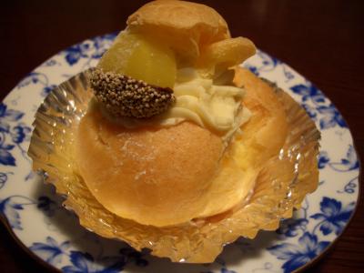 栗のシュークリーム