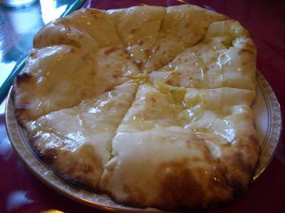 インド料理店 Fulbari(フルバリ)のチーズナン