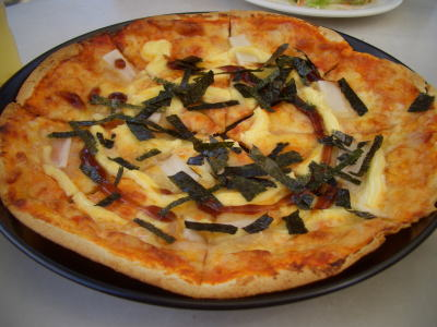 餅入りお好み焼き風ピザ