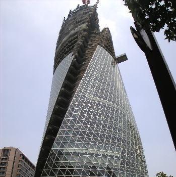 名古屋駅にあるモード学園スパイラルタワーズ