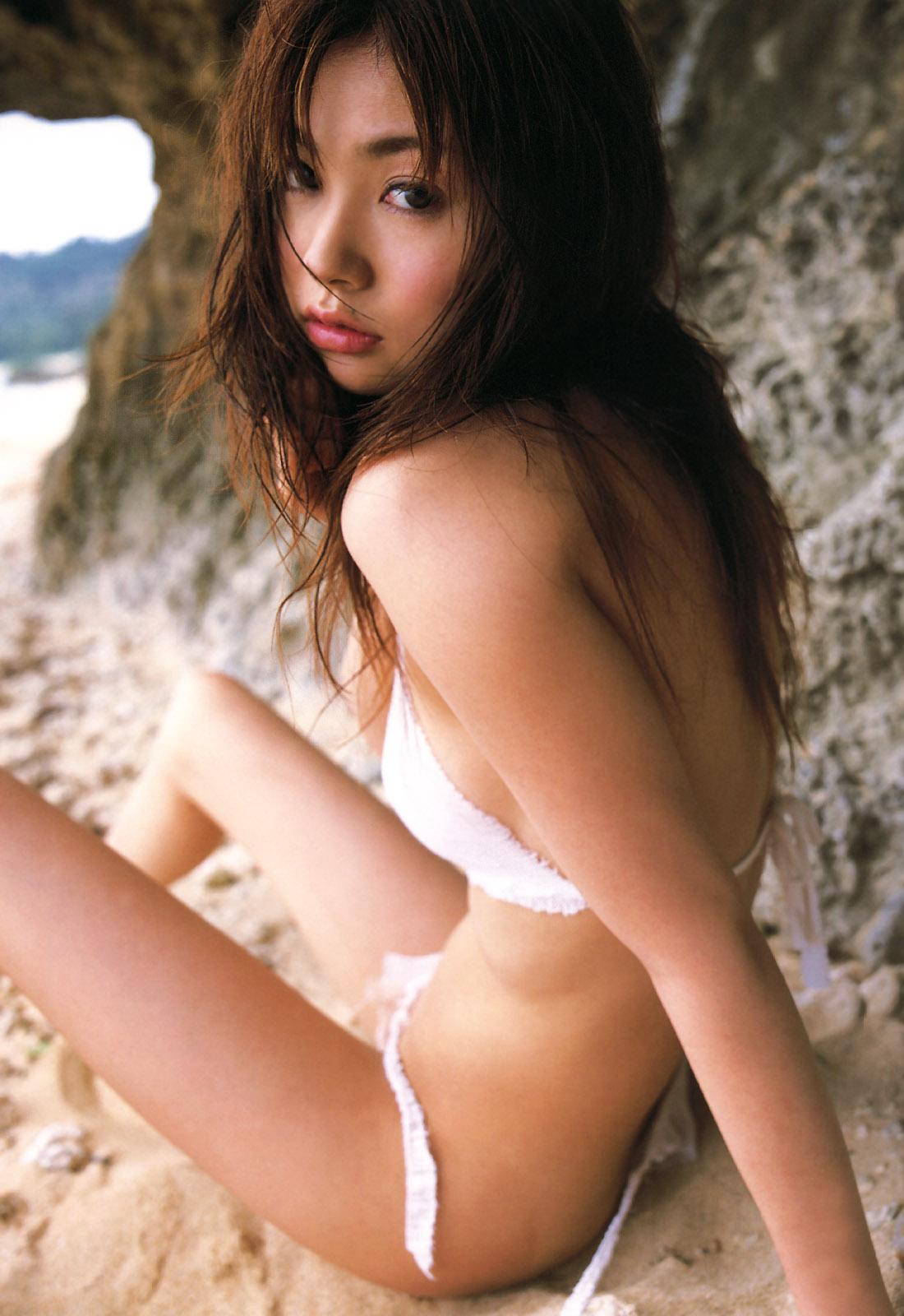 鈴木茜さんの水着