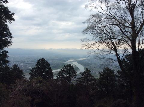 種穂神社から眺める吉野川