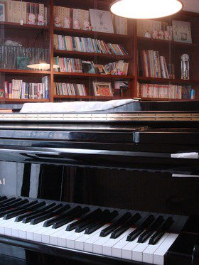 藍色工房 ピアノ画像練習室
