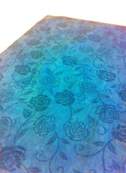 藍染め薔薇の花ハンカチ