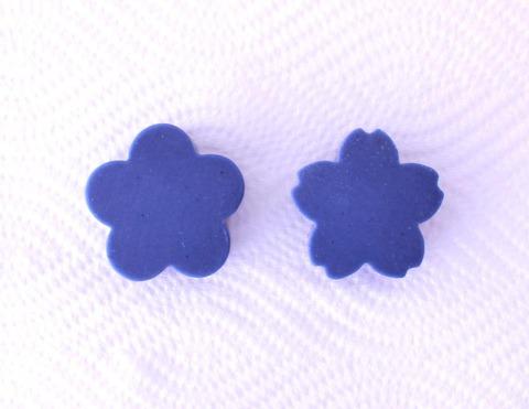藍の花の石けん