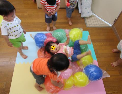 明石 保育園 室内遊び