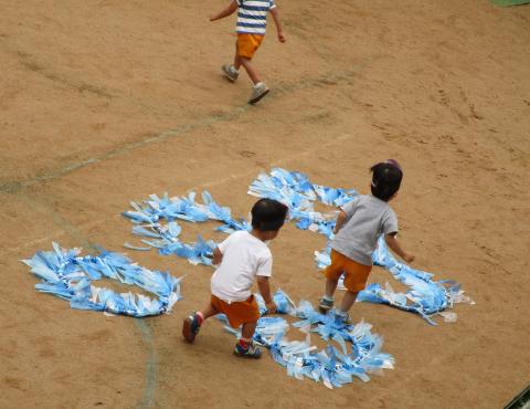 明石 保育園 運動会2歳 (4)