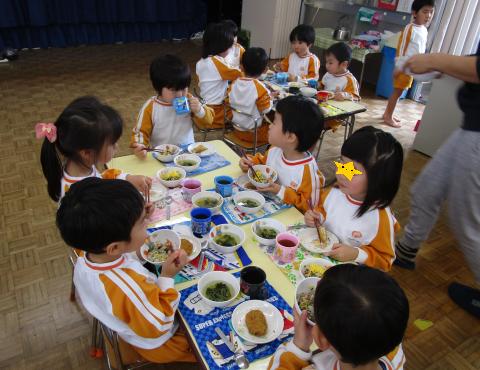 明石 保育園 3歳児給食